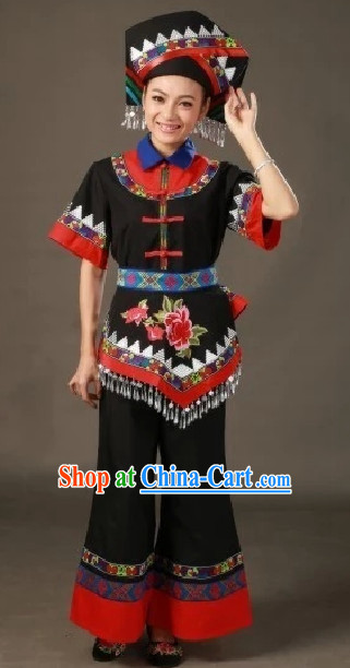 Zhuang Ethnic Traditional Costumes and Hat Complete Set for Women