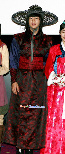 Traditional Korean Swordman Costumes and Bamboo Hat Complete Set