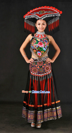 China Guangxi Zhuang Ethnic Group Clothes and Hat for Women