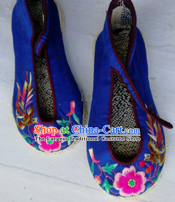Chinese Traditional Hanfu Shoes Embroidered Royalblue Shoes Handmade Cloth Shoes for Women