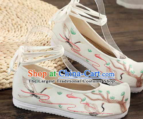 Traditional Chinese Embroidered Crane White Shoes Handmade Cloth Shoes National Cloth Shoes for Women