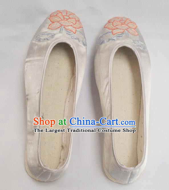 Chinese Ancient Princess Shoes Traditional White Satin Shoes Hanfu Shoes Embroidered Lotus Shoes for Women